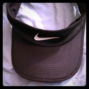 Nike fitted visor